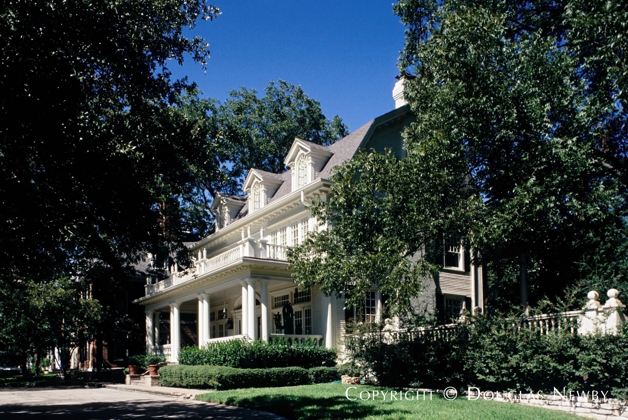 3800 Maplewood Avenue, Dallas, Texas