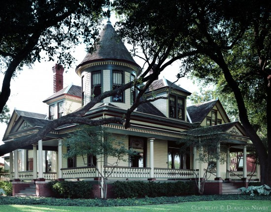 Significant Queen Ann House in East Dallas - Wilson Block