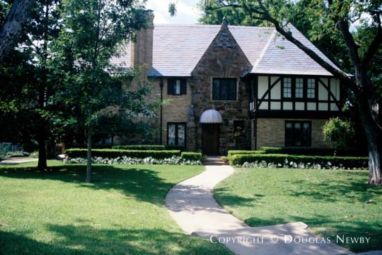 Home in Kessler Park - 1109 Lausanne Avenue