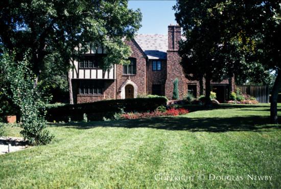Residence in Kessler Park - 1200 North Windomere Avenue