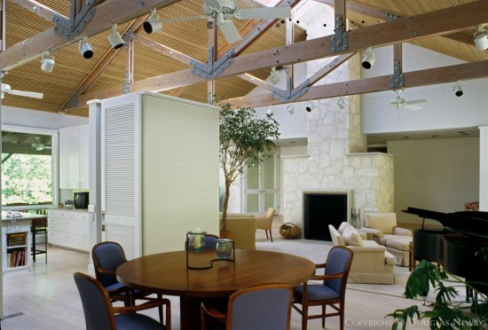 Residence in Preston Hollow - 9915 Meadowbrook Drive