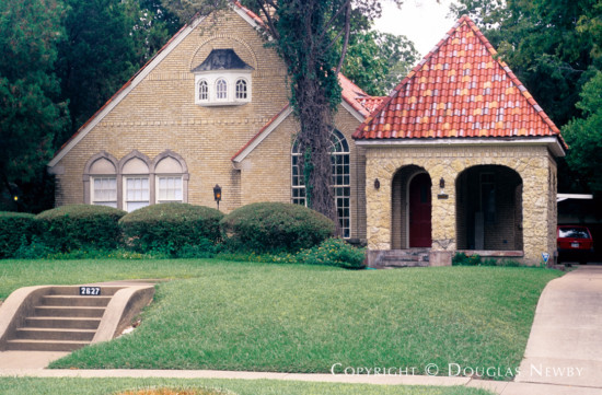 House Designed by Architect Dines & Kraft - 2627 South Boulevard