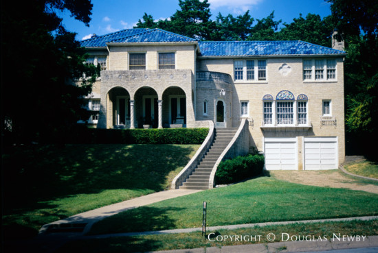 Residence in Kessler Park - 1545 West Colorado Boulevard