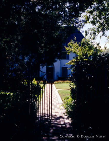 House in East Dallas - Mercedes Real Estate