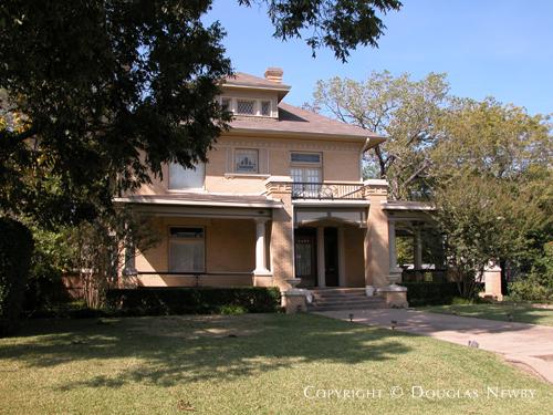 Sullivanesque Real Estate in East Dallas - 4409 Swiss Avenue