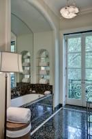 Mayflower Estates Guest House Bathroom