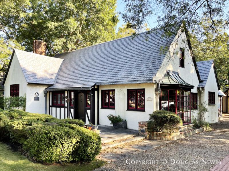 Normandy Cottage by Architect Mark Lemmon