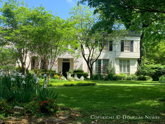 Greenway Parks Dallas Traditional Home