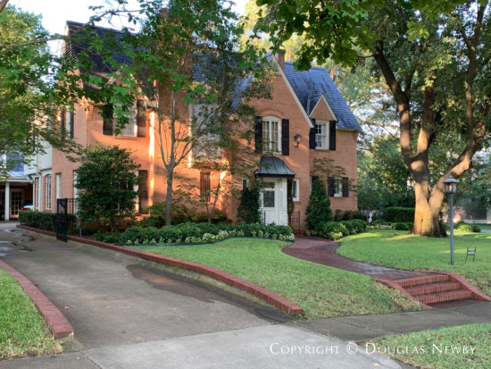 Traditional Home in Greenway Parks, Dallas
