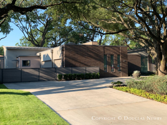 Greenway Parks Contemporary Home