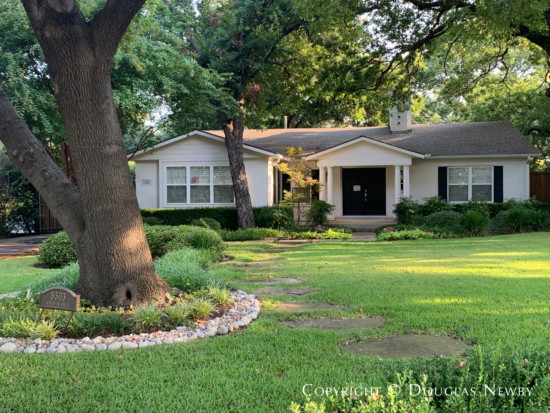 Traditional Home in Greenway Parks
