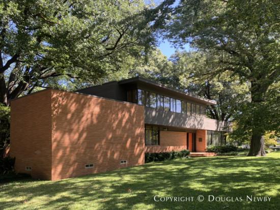 Howard Meyer Designed Home in Greenway Parks