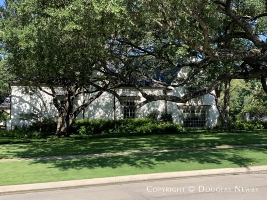 7037 Turtle Creek Boulevard, Dallas, Texas
