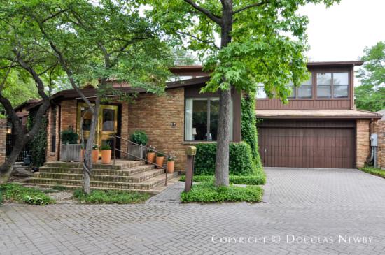 Modern Home Designed by Architect Bill Booziotis - 17 Royal Way