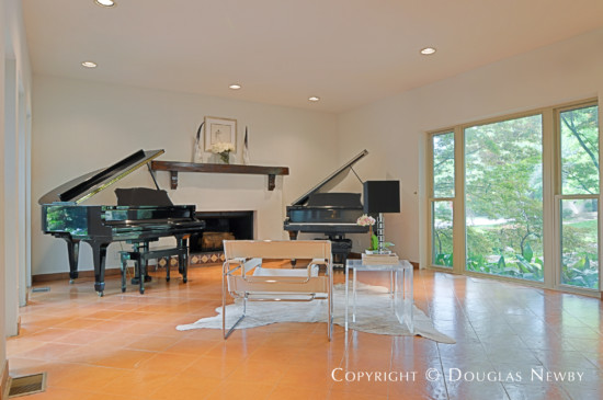 Contemporary Residence in Highland Park - 3117 Cornell Avenue