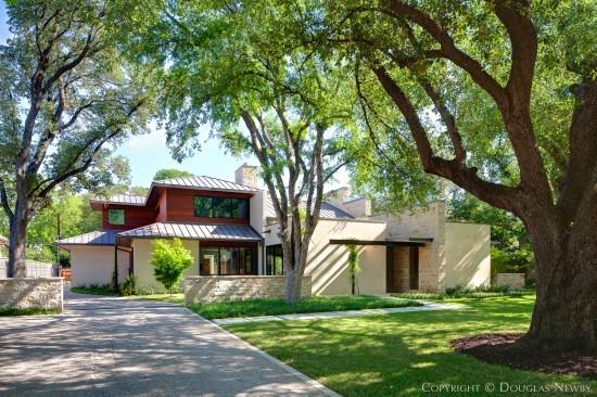 Modern Residence Designed by Architect Todd Hamilton - 4321 Valley Ridge Road