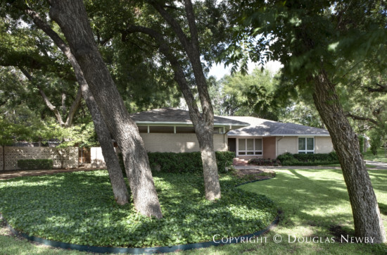 Mid-Century Modern Home in Far North Dallas - 6931 Alpha Road