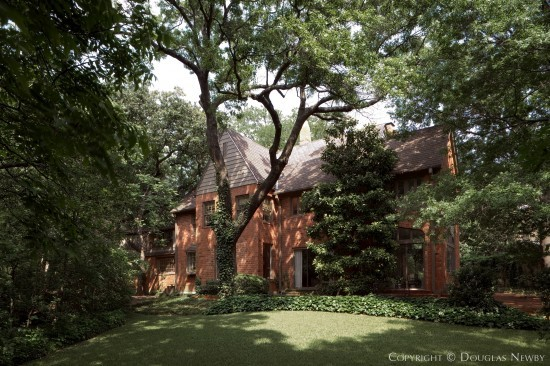 Estate Home in Turtle Creek Corridor - 3525 Arrowhead Drive