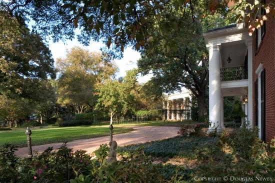 Estate Home in Preston Hollow - 9770 Audubon Place