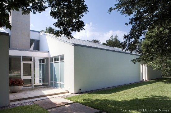 Modern Home Designed by Architect Lionel Morrison - 4330 Beechwood Lane