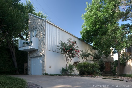 Contemporary House Designed by Architect Gail Adams - 3502 Edgewater Street