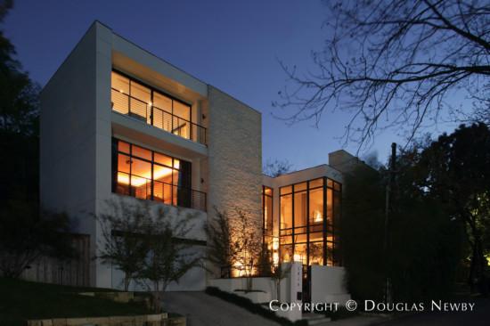Modern House Designed by Architect Wilson & Associates - 3818 Turtle Creek Drive