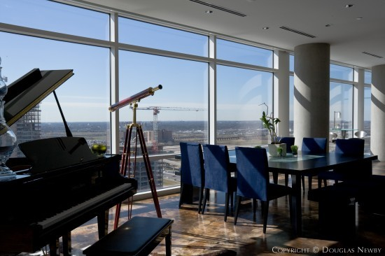 Residence in Downtown Dallas - 3090 Olive Street