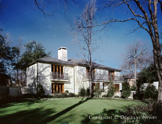 Residence in University Park - 6009 Saint Andrews Drive