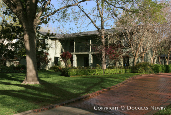 House Designed by Architect Frank Welch - 5535 Wenonah Drive