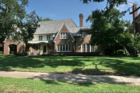 Highland Park historic home designed by archtiect Hal Thomson