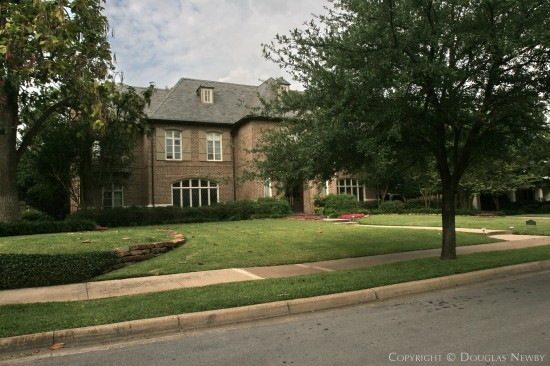 House in Highland Park - 3511 Gillon Avenue