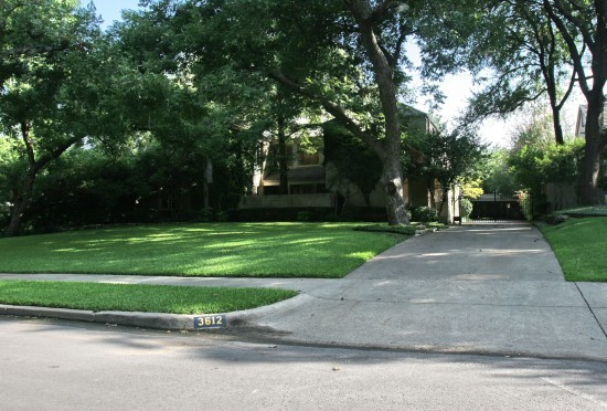 House in Highland Park - 3612 Crescent Avenue