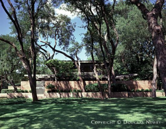 Contemporary House Designed by Architect E.G. Hamilton - 3616 Crescent Avenue