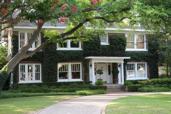 Residence in Highland Park - 4704 Saint Johns Drive