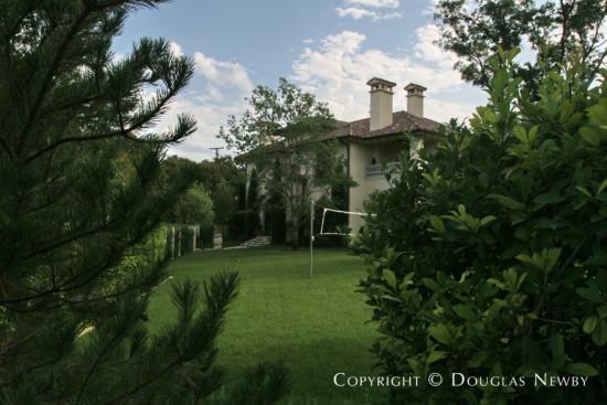 Home in Highland Park - 4800 Saint Johns Drive