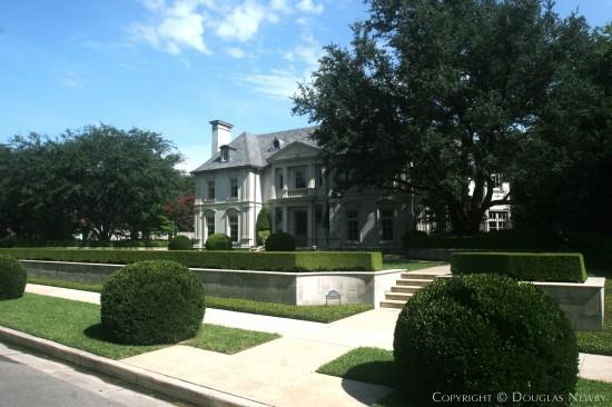 Home Designed by Architect Larry Boerder - 4260 Bordeaux Avenue