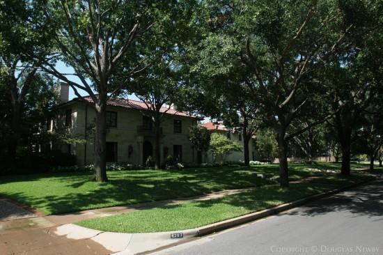 Residence Designed by Architect Fooshee & Cheek - 4263 Bordeaux Avenue