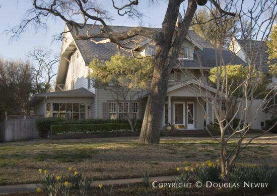 House in Highland Park - 3913 Miramar Avenue