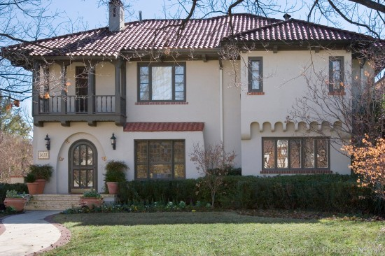 House in Highland Park - 3633 Maplewood Avenue