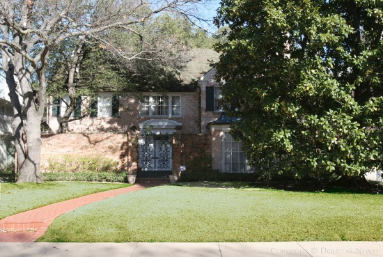 House Designed by Architect Hal O. Yoakum - 4304 Belclaire Avenue
