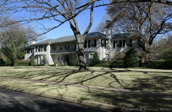 Estate Home Designed by Architect Thomson & Lanum - 4242 Bordeaux Avenue