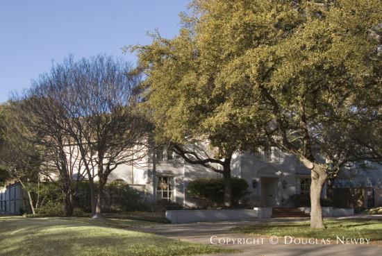 Home Designed by Architect Fonzie E. Robertson - 4209 Arcady Avenue