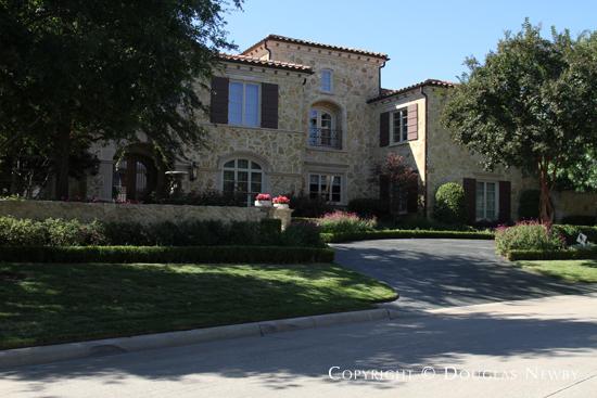 Glen Abbey Home in Gated Neighborhood