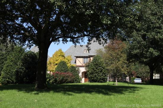 Traditional Home in Glen Abbey Neighborhood