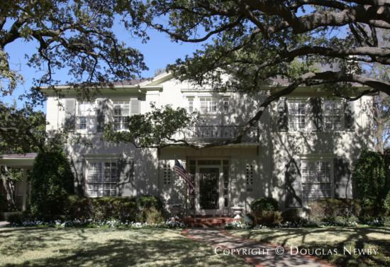 Home Designed by Architect Goodwin & Tatum - 4230 Fairfax Avenue