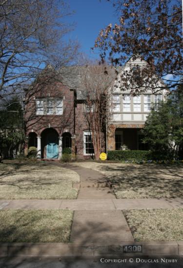 Home Designed by Architect Fonzie E. Robertson - 4300 Versailles Avenue