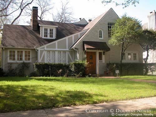 House Designed by Architect Fooshee & Cheek - 4405 Edmondson Avenue