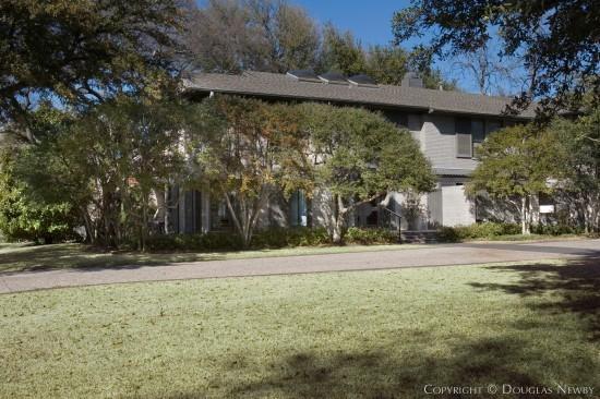 Home in Highland Park - 4456 Belfort Avenue