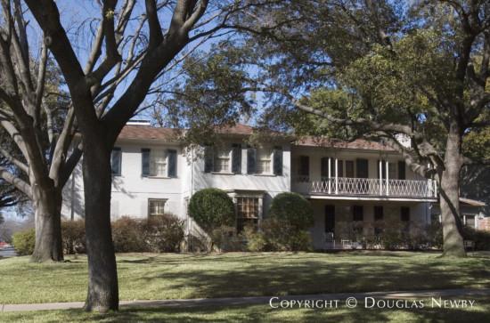 Home Designed by Architect Goodwin & Tatum - 4440 Bordeaux Avenue