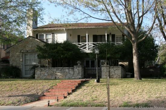 Residence in Highland Park - 4512 Fairway Avenue